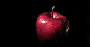 red_apple-550x290